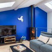 surélévation échoppe bordeaux salon loft parquet veux salon cuisine escalier balcon bleu architecture intérieure